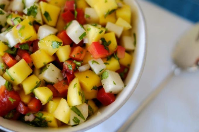 Jicama, Mango and Red Bell Pepper Salad