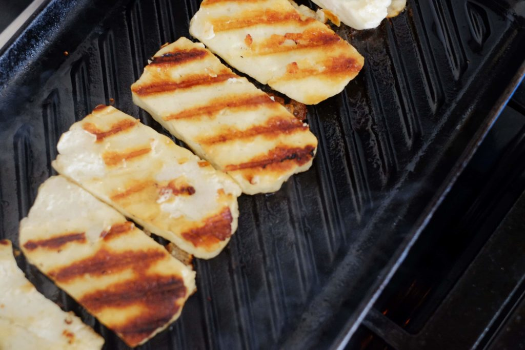 grilling halloumi cheese on grill pan