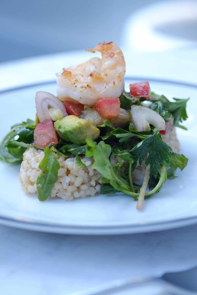 Arugula Salad with Grilled Shrimp and Brown Rice